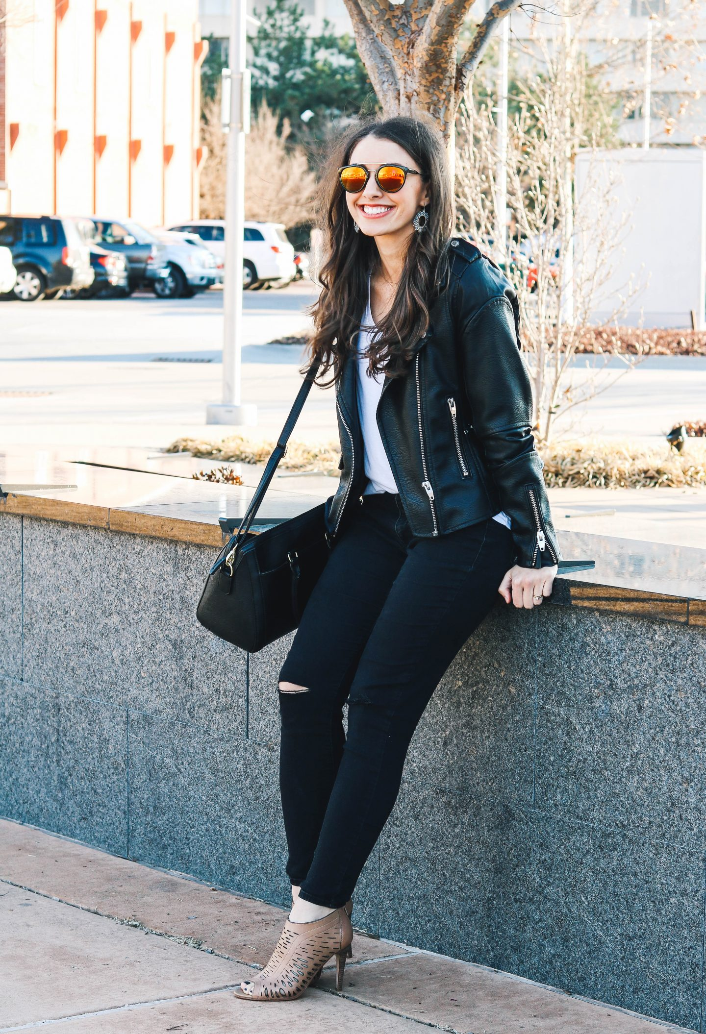 easy day to date night outfit // happily lindsey blog